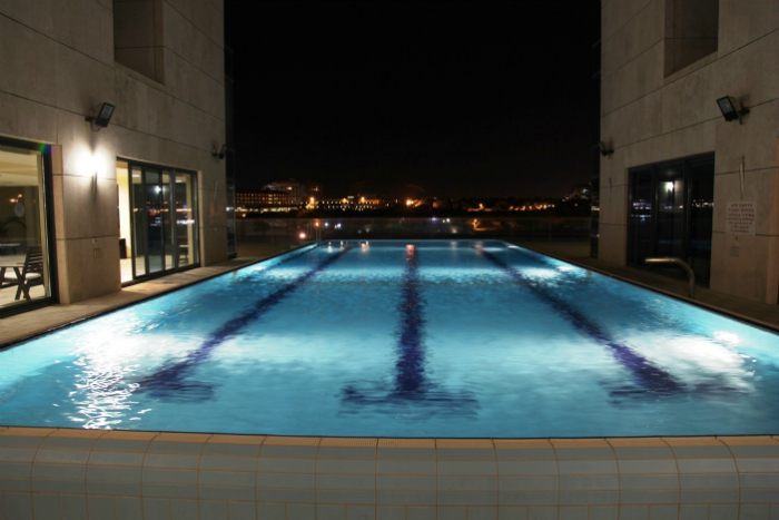 marina-tower-pool