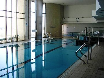 pool-laguna